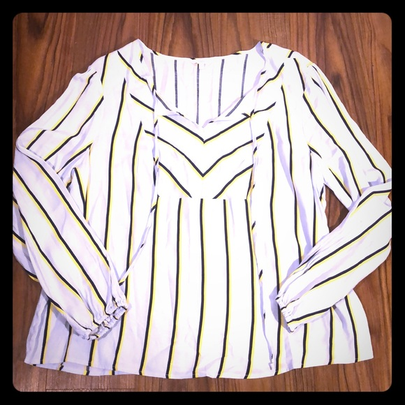 Candie's Tops - NEW XXL Candie's Long Sleeve Blouse